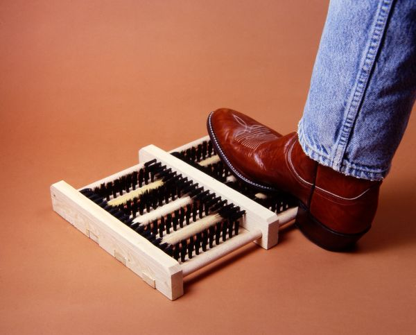 Hands Free Brush Boot Cleaner