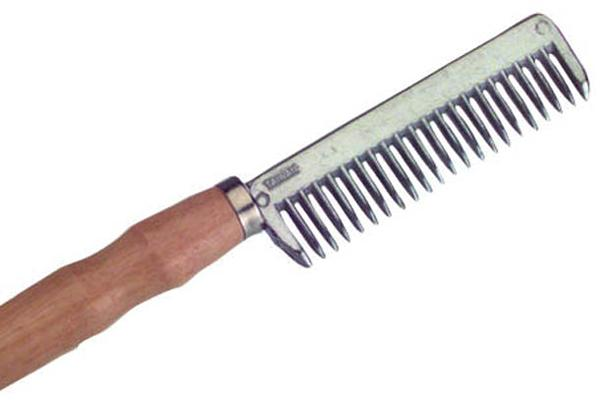 Roma Pulling Comb With Wooden Handle