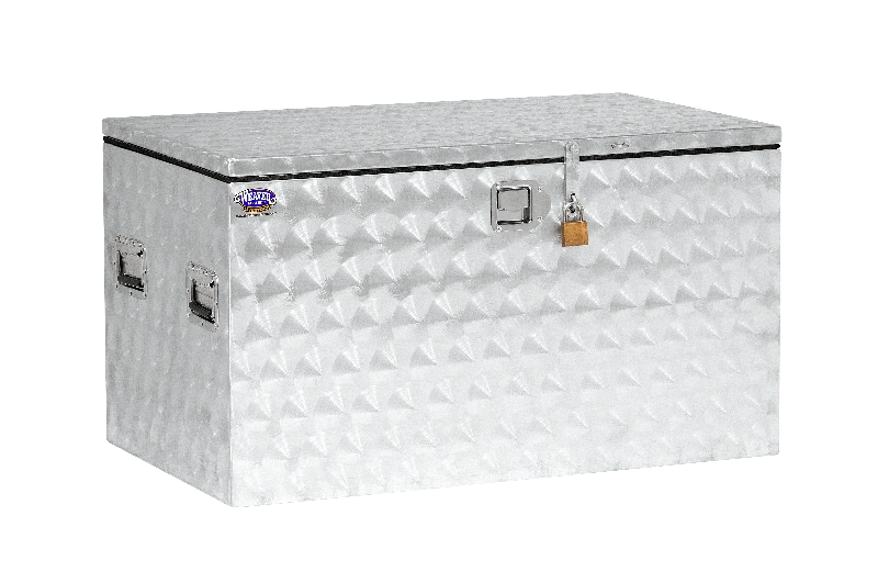 Weaver Leather's Medium Chest Style Aluminum Showbox