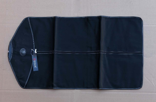 EOUS Garment Bag