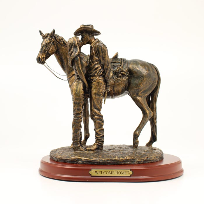 Western Moments Welcome Home Statue
