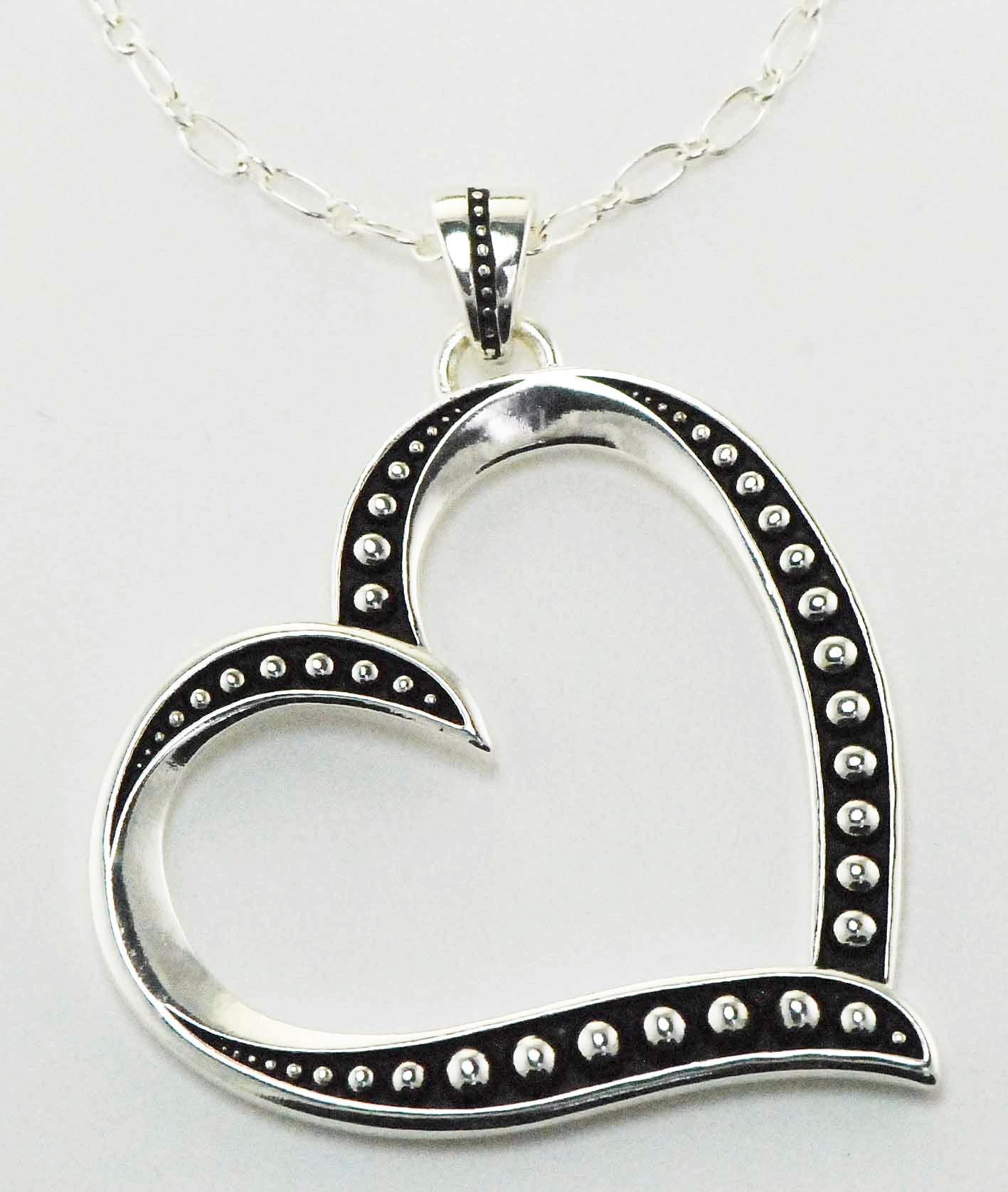 Western Edge Jewelry Side Heart Necklace