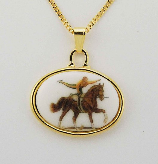 Finishing Touch Finishing Touch 25 X 18Mm Cab With Vaulting Horse In Gold Frame