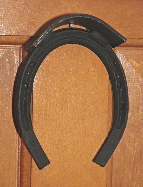 TuffRider Horseshoe Bridle Hanger