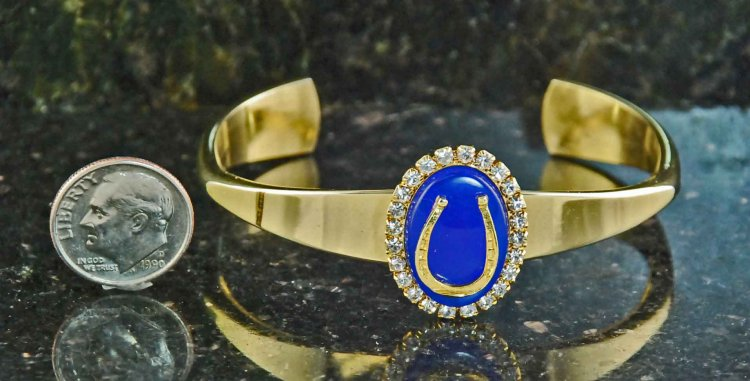 Finishing Touch Oval Stone with Horseshoe Motif In Swarovski Crystal Bracelet - Blue Onyx