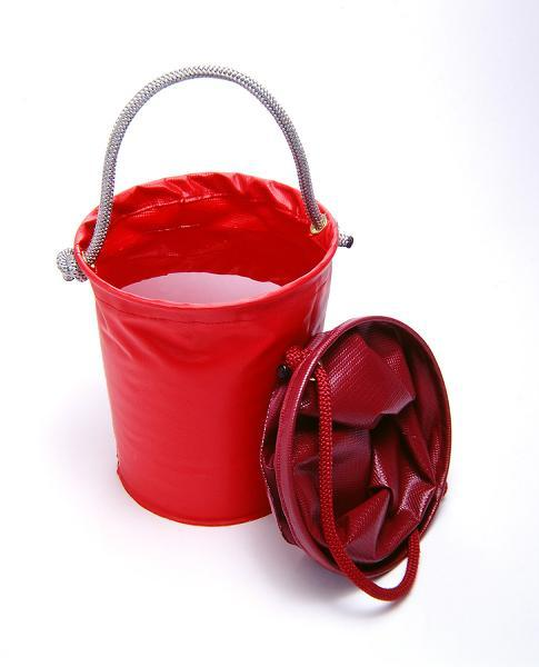 Large Rubber Horse Water Tubs: Horse Buckets